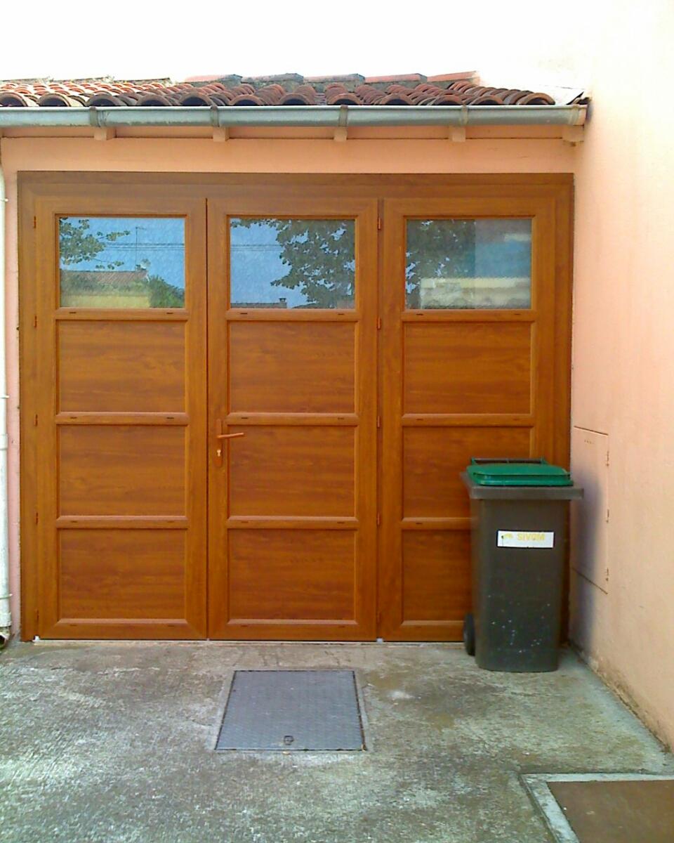 exemple de portes de garage pos es toulouse et est de toulouse fourniture et installation de. Black Bedroom Furniture Sets. Home Design Ideas
